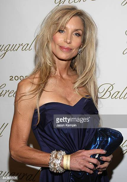 Actress Heather Thomas attends the Green Inaugural Ball at the Donald W Reynolds Center for American Art and Portraiture on January 19 2009 in...