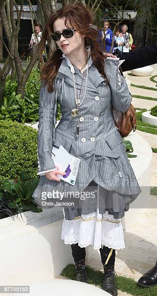Actress Helana Bonham-Carter attends the Press and VIP preview day at Chelsea Flower Show at Royal Hospital Chelsea on May 18, 2009 in London,...