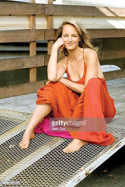 Actress Helen Hunt is photographed for Redbook Magazine in 2008 in Los Angeles California PUBLISHED IMAGE