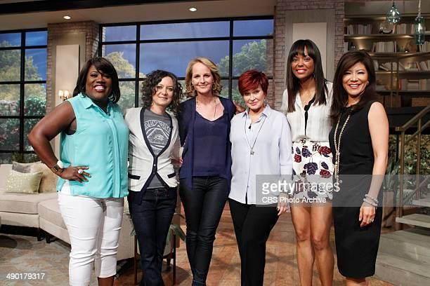 Actress Helen Hunt visits the ladies of THE TALK Tuesday April 29 2014 on the CBS Television Network From left Sheryl Underwood Sara Gilbert Helen...