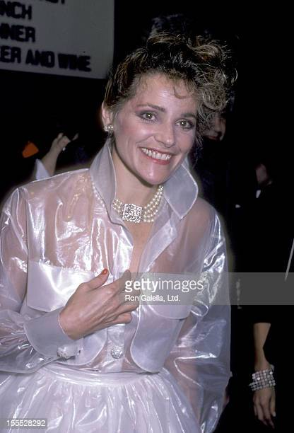 Actress Helen Shaver attends The Color of Money Premiere Party on October 14 1986 at Chasen's Restaurant in Beverly Hills California