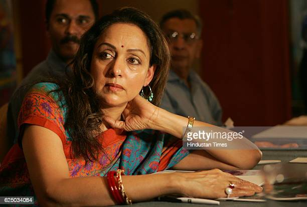 MP Actress Hema Malani announcing the ' Juhu festival ' during the press conference in Mumbai on Tuesday The festival will be held on 19 Jan to 22 Jan