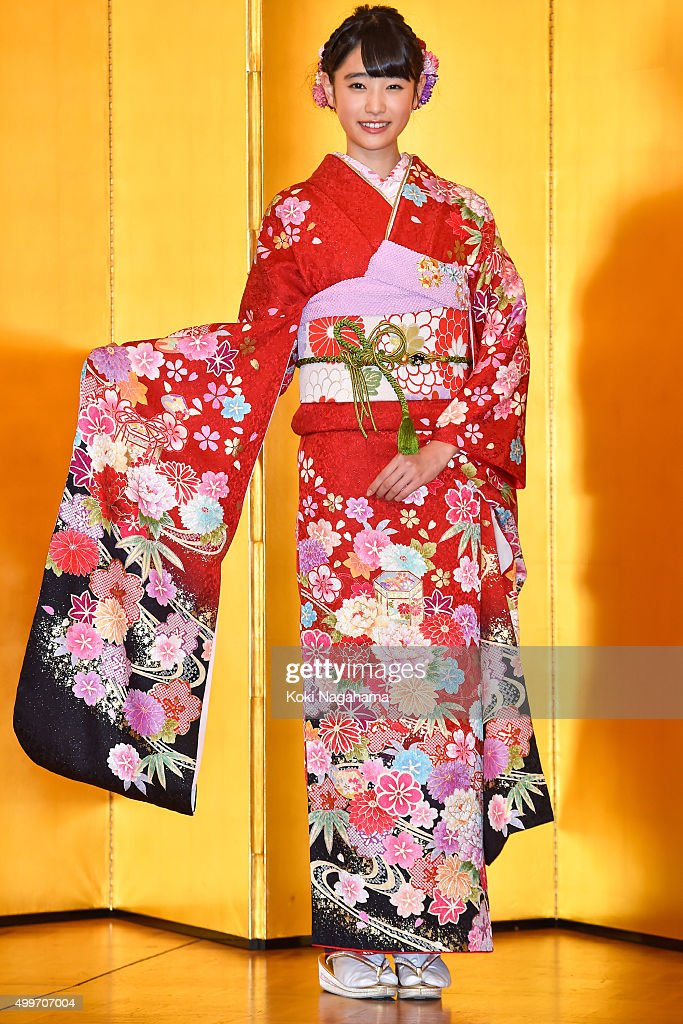 Actress Hikaru Takahashi attends the New Year's Kimono photocall for Oscar Promotion on December 3, 2015 in Tokyo, Japan.