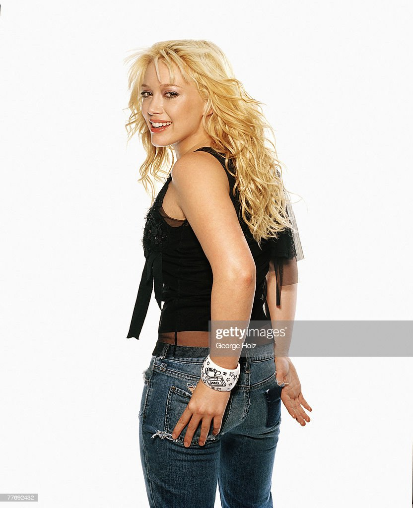 Hilary Duff, Cosmo Girl, March 2004 : News Photo