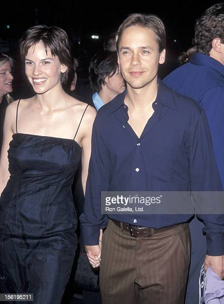 Actress Hilary Swank and actor Chad Lowe attend 'A Midsummer Night's Dream' Westwood Premiere on April 26 1999 at Mann Bruin Theatre in Westwood...
