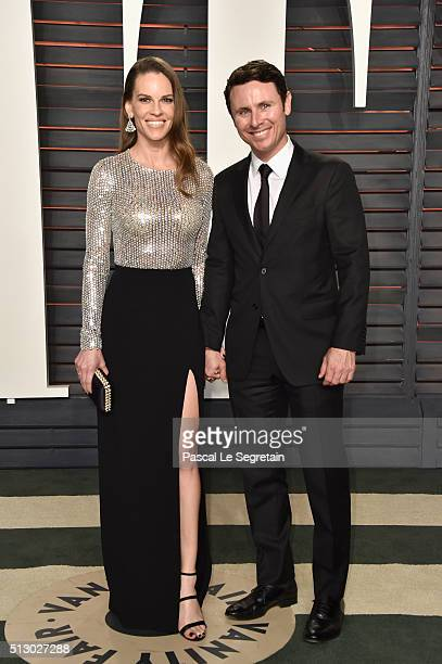 Actress Hilary Swank and Ruben Torres attend the 2016 Vanity Fair Oscar Party Hosted By Graydon Carter at the Wallis Annenberg Center for the...