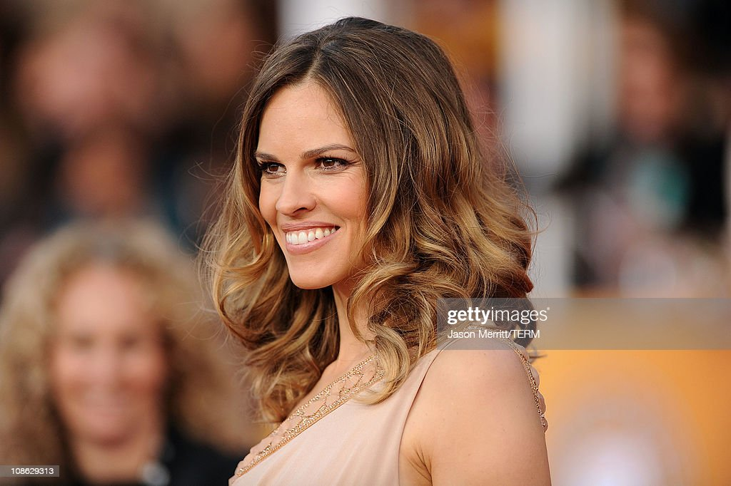 Actress Hilary Swank arrives at the 17th Annual Screen Actors Guild Awards held at The Shrine Auditorium on January 30, 2011 in Los Angeles, California.