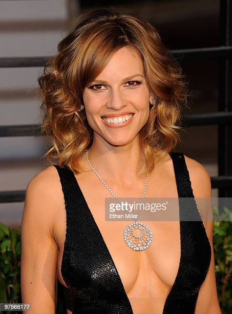 Actress Hilary Swank arrives at the 2010 Vanity Fair Oscar Party hosted by Graydon Carter held at Sunset Tower on March 7 2010 in West Hollywood...