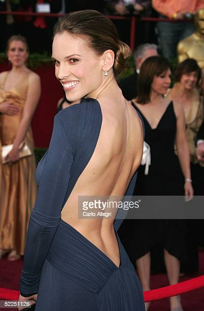 Actress Hilary Swank arrives at the 77th Annual Academy Awards at the Kodak Theater on February 27 2005 in Hollywood California