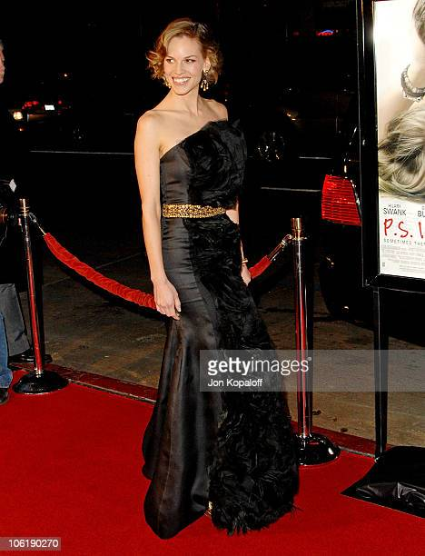 Actress Hilary Swank arrives at the Los Angeles premiere 'PS I Love You' at Grauman's Chinese Theater on December 9 2007 in Hollywood California