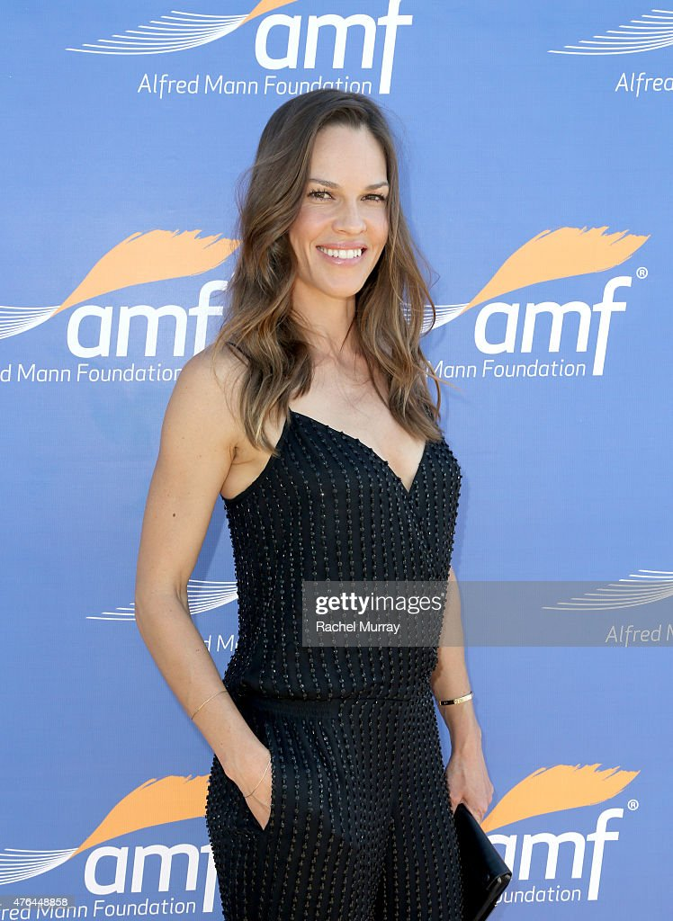 Actress Hilary Swank attends Alfred Mann Foundation's an Evening Under The Stars with Andrea Bocelli on June 8, 2015 in Los Angeles, California.
