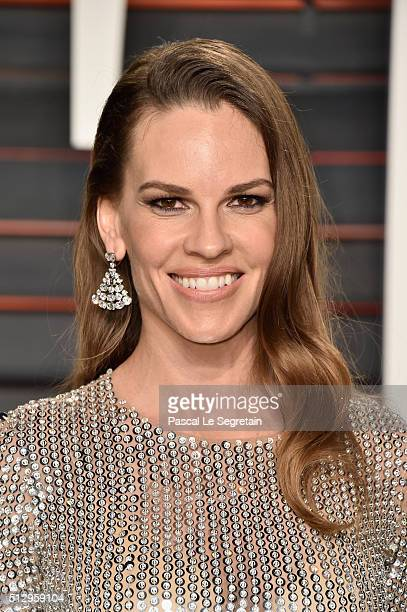 Actress Hilary Swank attends the 2016 Vanity Fair Oscar Party Hosted By Graydon Carter at the Wallis Annenberg Center for the Performing Arts on...