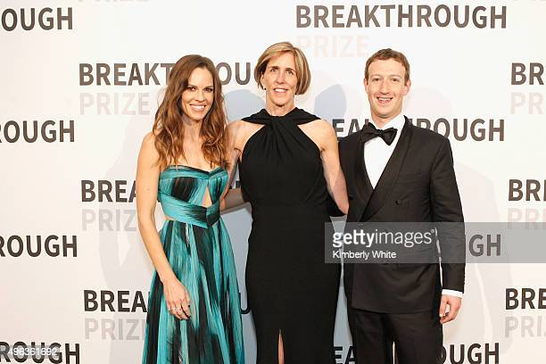 Actress Hilary Swank professor Helen Hobbs and Mark Zuckerberg attend the 2016 Breakthrough Prize Ceremony on November 8 2015 in Mountain View...