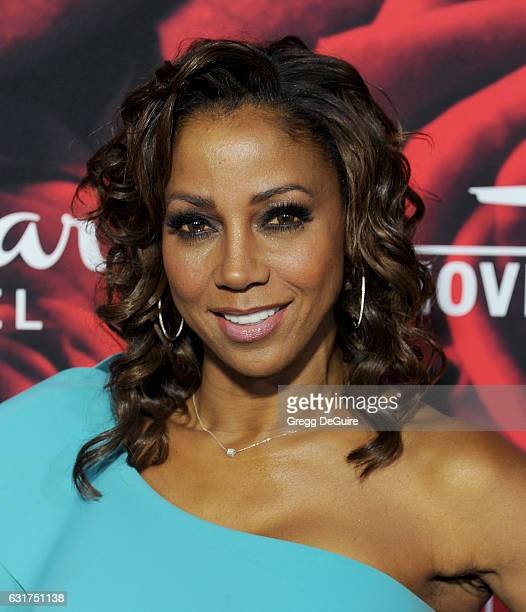 Actress Holly Robinson Peete arrives at Hallmark Channel And Hallmark Movies And Mysteries Winter 2017 TCA Press Tour at The Tournament House on...
