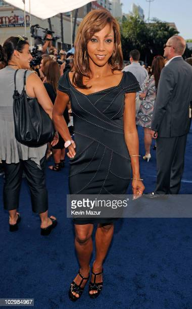 Actress Holly Robinson Peete arrives at the 2010 VH1 Do Something! Awards held at the Hollywood Palladium on July 19, 2010 in Hollywood, California.