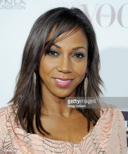 Actress Holly Robinson Peete arrives at the Dream For Future Africa Foundation Gala at Spago on October 24, 2013 in Beverly Hills, California.