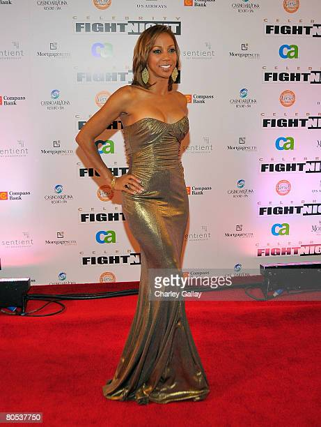 Actress Holly Robinson Peete arrives to Muhammad Ali's Celebrity Fight Night XIV at the JW Marriott Desert Ridge Resort Spa April 5 2008 in...