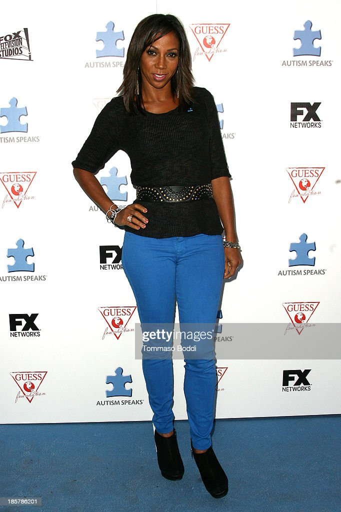 Actress Holly Robinson Peete attends the Autism Speaks 3rd annual 'Blue Jean Ball' held at Boulevard3 on October 24, 2013 in Hollywood, California.