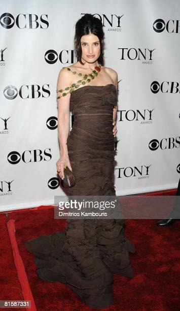 Actress Idina Menzel attends the 62nd Annual Tony Awards at Radio City Music Hall on June 15 2008 in New York City