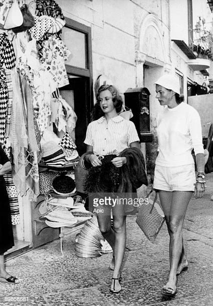 Actress Ingrid Bergman with daughter Jenny Ann Lindstrom born from a first wedding here in holidays in Capri 1957