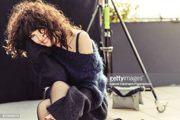 Actress Isabelle Adjani is photographed for Madame Figaro on October 4 2017 in Paris France Sweater bra tights Make up by Givenchy Le Makeup...