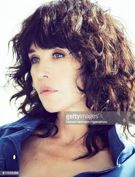 Actress Isabelle Adjani is photographed for Madame Figaro on October 4 2017 in Paris France Jumpsuit Make up by Givenchy Le Makeup PUBLISHED IMAGE...