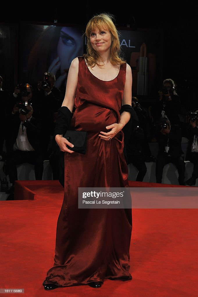 Actress Isabelle Carre attends the 'Cherchez Hortense' Premiere during The 69th Venice Film Festival at the Palazzo del Cinema on September 1, 2012 in Venice, Italy.