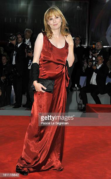 Actress Isabelle Carre attends the Cherchez Hortense Premiere during The 69th Venice Film Festival at the Palazzo del Cinema on September 1 2012 in...