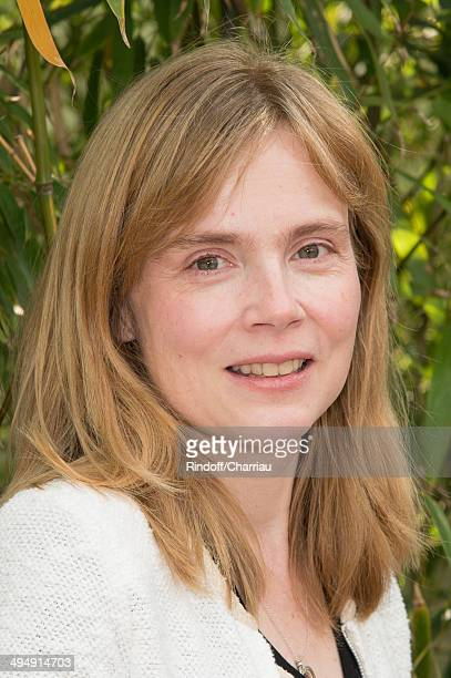 Actress Isabelle Carre attends the Roland Garros French Tennis Open 2014 Day 7 at Roland Garros on May 31 2014 in Paris France