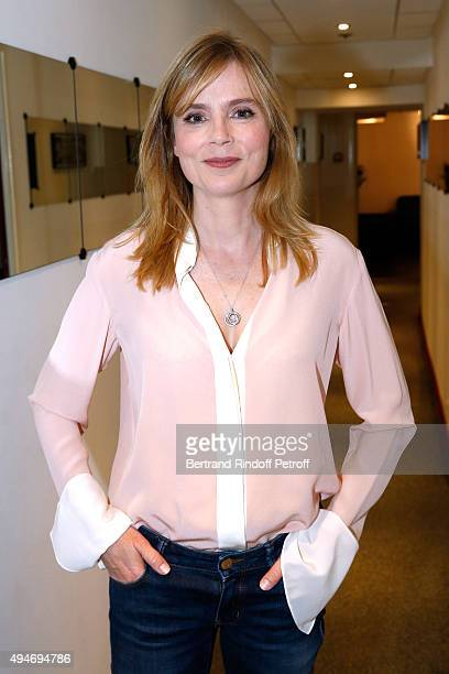 Actress Isabelle Carre presents the Movie 'Ange et Gabrielle' during the 'Vivement Dimanche' French TV Show at Pavillon Gabriel on October 28 2015 in...