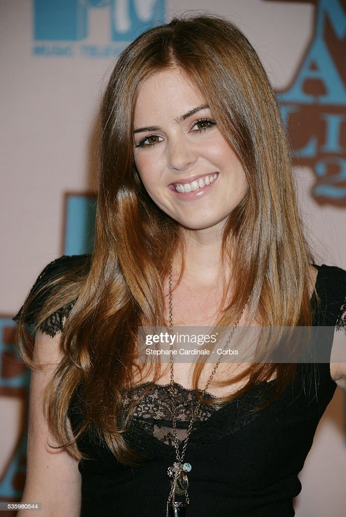 Actress Isla Fisher arrives at the 12th MTV Europe Music Awards 2005 held at the Atlantic Pavilion in Lisbon.