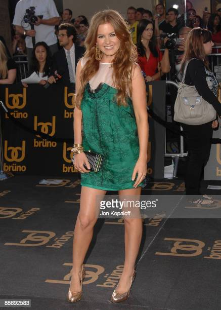 Actress Isla Fisher arrives at the Los Angeles Premiere 'Bruno' at Grauman's Chinese Theatre on June 25 2009 in Hollywood California