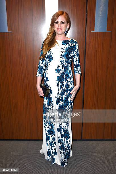 Actress Isla Fisher attends the 2015 Vanity Fair Oscar Party hosted by Graydon Carter at the Wallis Annenberg Center for the Performing Arts on...