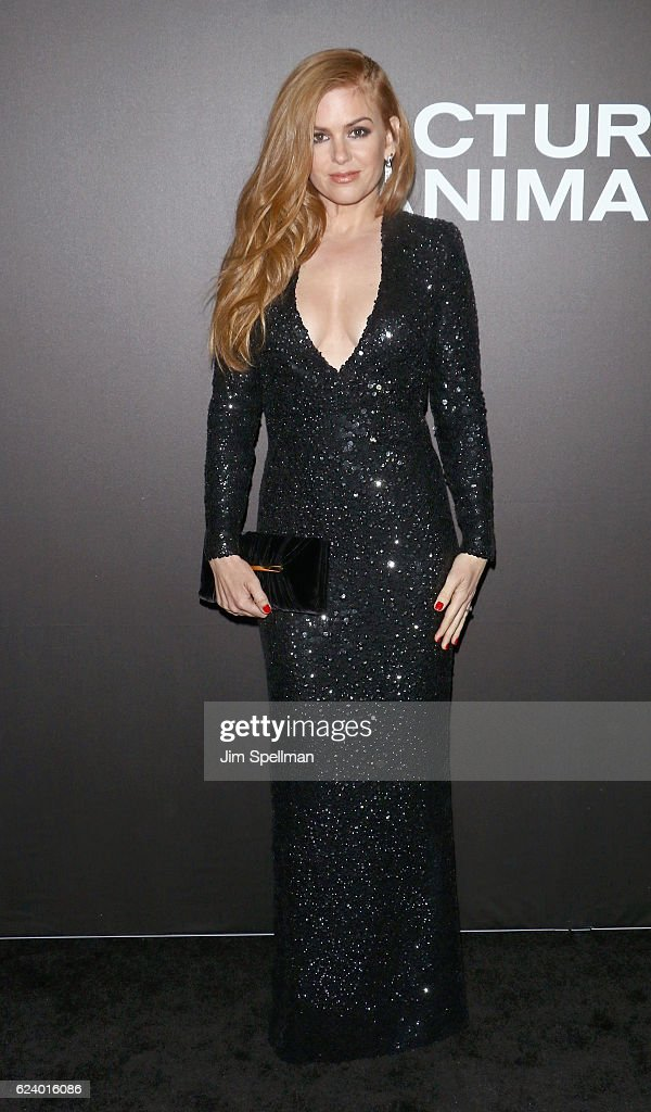 Actress Isla Fisher attends the 'Nocturnal Animals' New York premiere at The Paris Theatre on November 17, 2016 in New York City.