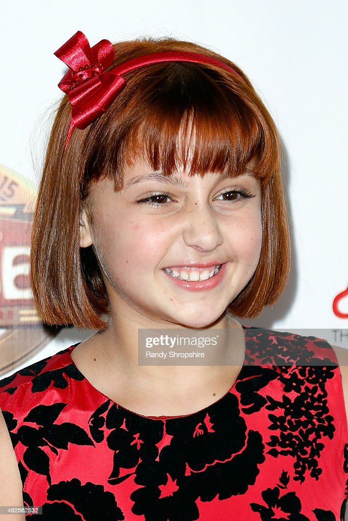"""Premiere Of """"Annie"""" At The Hollywood Pantages Theatre : News Photo"""