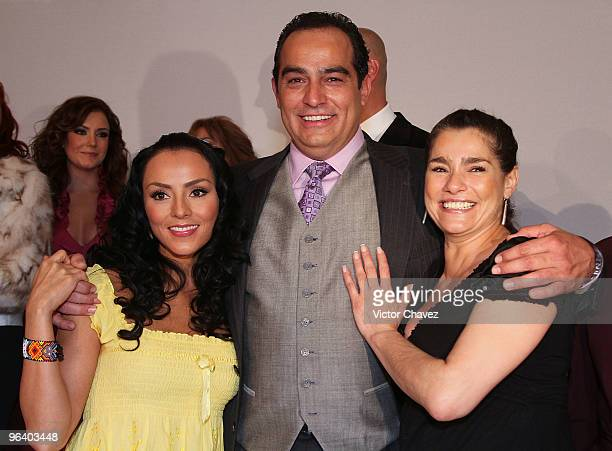 Actress Ivonne Montero actor Omar Fierro and actress Gabriela Roel attends the La Loba Soap Opera launch press conference and photo call at...