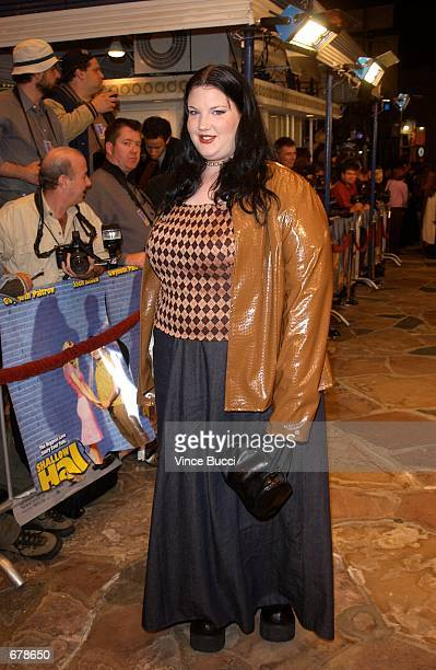 """Actress Ivy Snitzer attends the premiere of the film """"Shallow Hal"""" November 1, 2001 in Los Angeles, CA."""