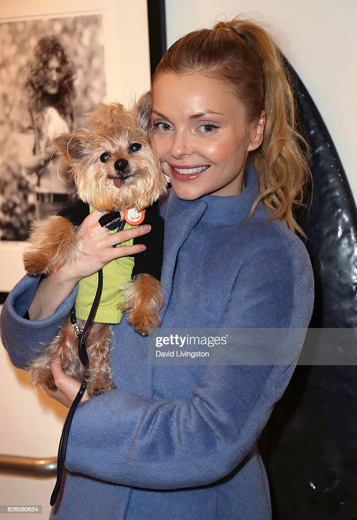 Actress Izabella Miko attends Artists with Animals at RonRobinson on November 29, 2016 in Santa Monica, California.