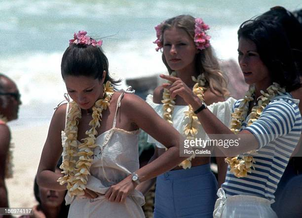 Actress Jaclyn Smith actress Cheryl Ladd and actress Kate Jackson on the set of Charlie's Angels Season 2 Episode 1 Entitled Angels in Paradise on...
