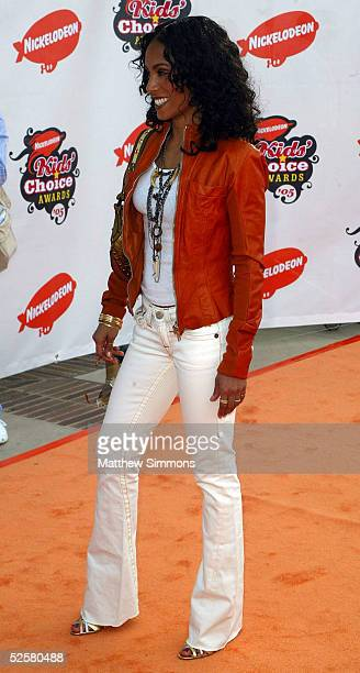 Actress Jada Pinkett Smith arrives at the 18th Annual Kids Choice Awards at UCLA's Pauley Pavillion on April 2 2005 in Westwood California