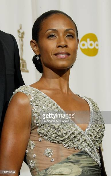 Actress Jada Pinkett Smith poses backstage during the 76th Annual Academy Awards at the Kodak Theater on February 29, 2004 in Hollywood, California.