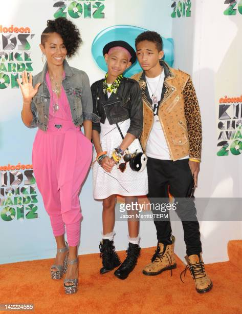 Actress Jada Pinkett Smith singer Willow Smith and actor Jaden Smith attend Nickelodeon's 25th Annual Kids' Choice Awards held at Galen Center on...
