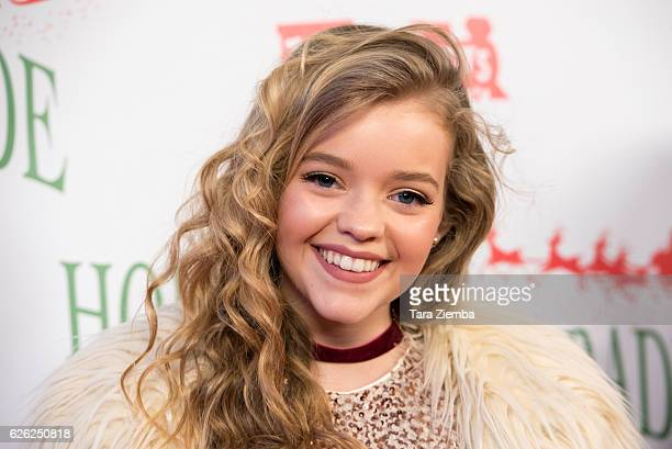 Actress Jade Pettyjohn arrives at the 85th Annual Hollywood Christmas Paradeon November 27 2016 in Hollywood California