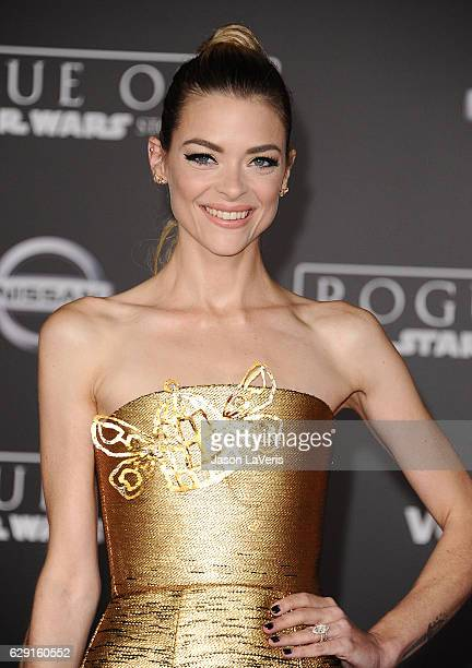 "Actress Jaime King attends the premiere of ""Rogue One: A Star Wars Story"" at the Pantages Theatre on December 10, 2016 in Hollywood, California."
