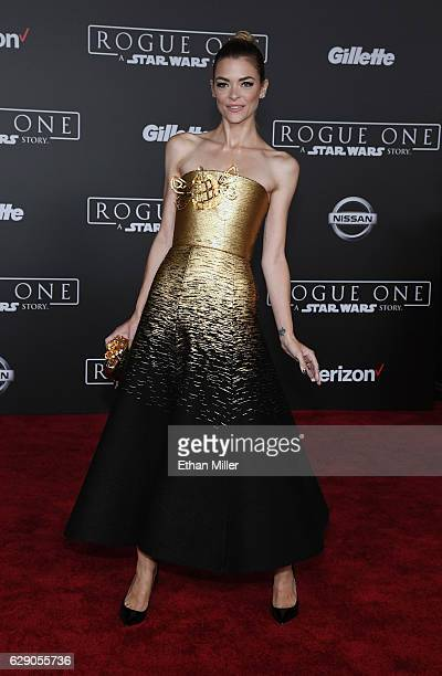 Actress Jaime King attends the premiere of Walt Disney Pictures and Lucasfilm's Rogue One A Star Wars Story at the Pantages Theatre on December 10...