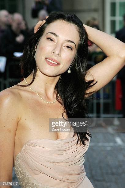 """Actress Jaime Murray arrives at the UK premiere of """"Volver"""" at Curzon Mayfair on August 3, 2006 in London, England."""