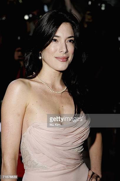 """Actress Jaime Murray arrives at the UK premiere of """"Volver"""" held at the Curzon Mayfair on August 3, 2006 in London, England."""