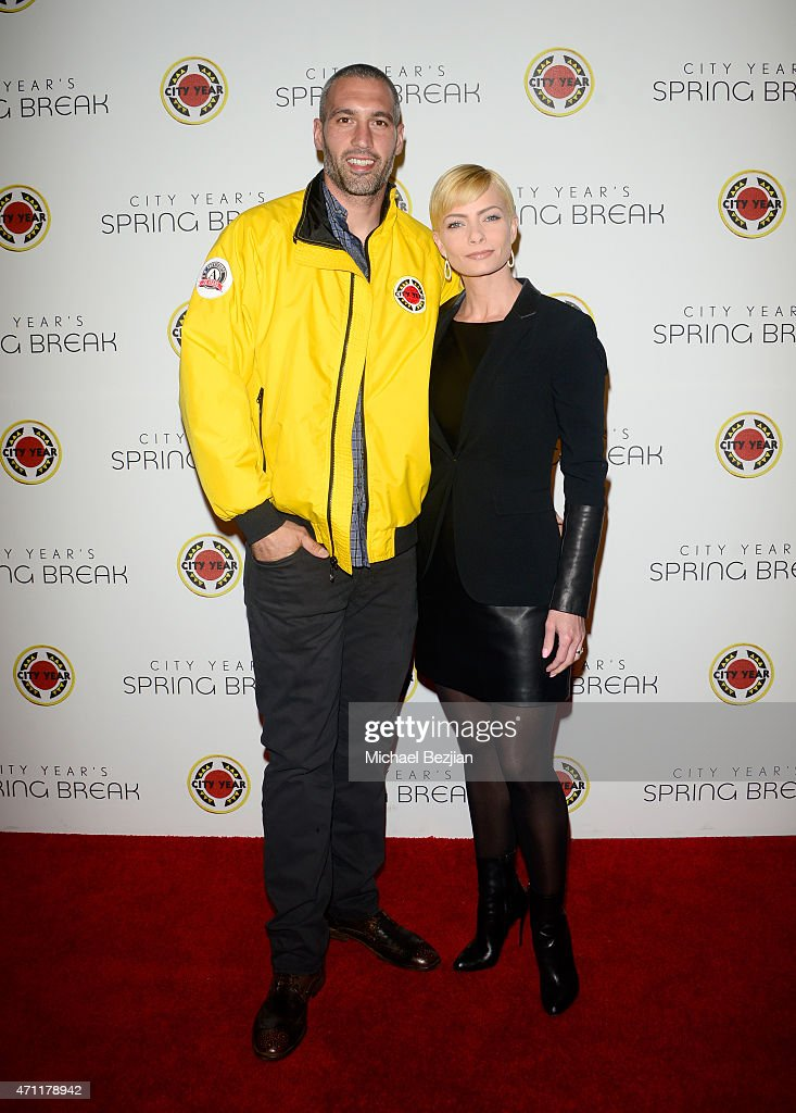 Actress Jaime Pressly and guest attend City Year Los Angeles Spring Break at Sony Studios on April 25, 2015 in Los Angeles, California.