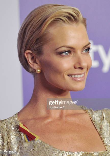 Actress Jaime Pressly arrives at the Warner Brothers/InStyle Golden Globes After Party at The Beverly Hilton Hotel on January 17 2010 in Beverly...