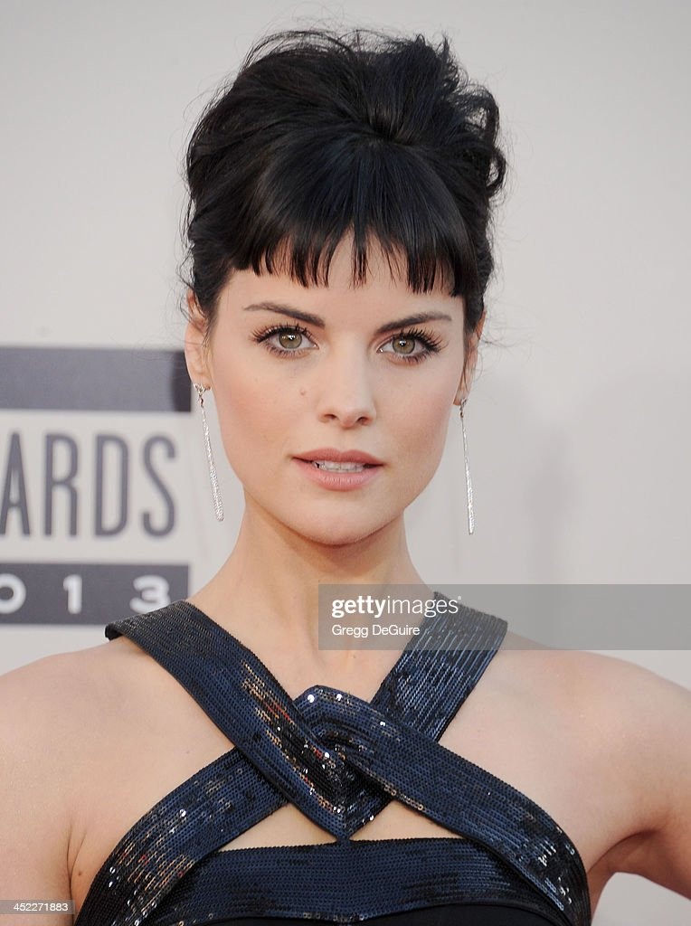Actress Jaimie Alexander arrives at the 2013 American Music Awards at Nokia Theatre L.A. Live on November 24, 2013 in Los Angeles, California.